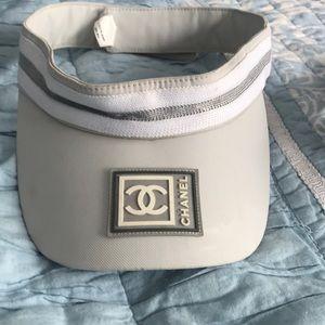 CHANEL visor grey & white